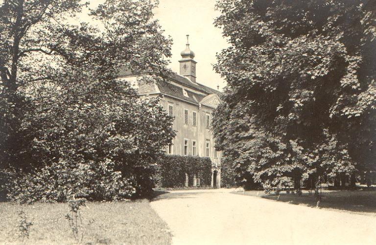 Pohled z příjezdové cesty 1920
